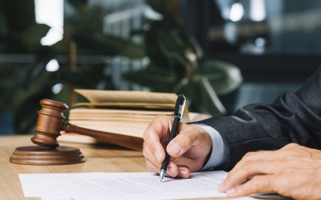 Zalety obsługi prawnej iksięgowej wjednym miejscu